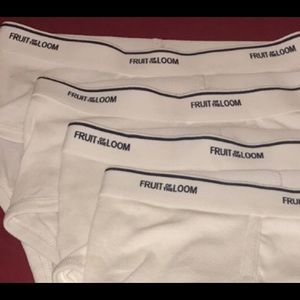 4 Pairs of Men's Small FRUIT OF THE LOOM Underwear